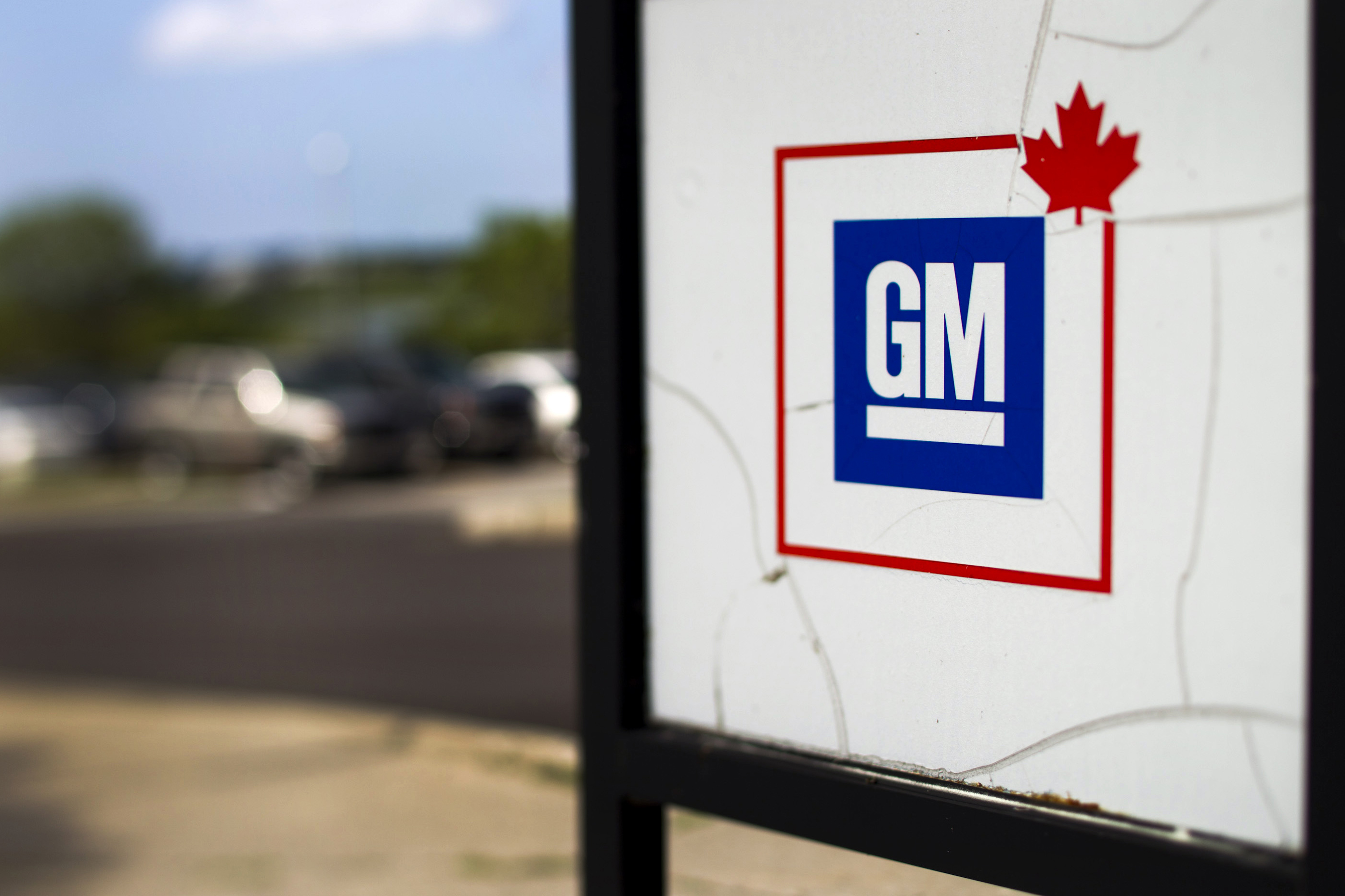 GM contract ratified, Unifor starts Fiat-Chrysler negotiations
