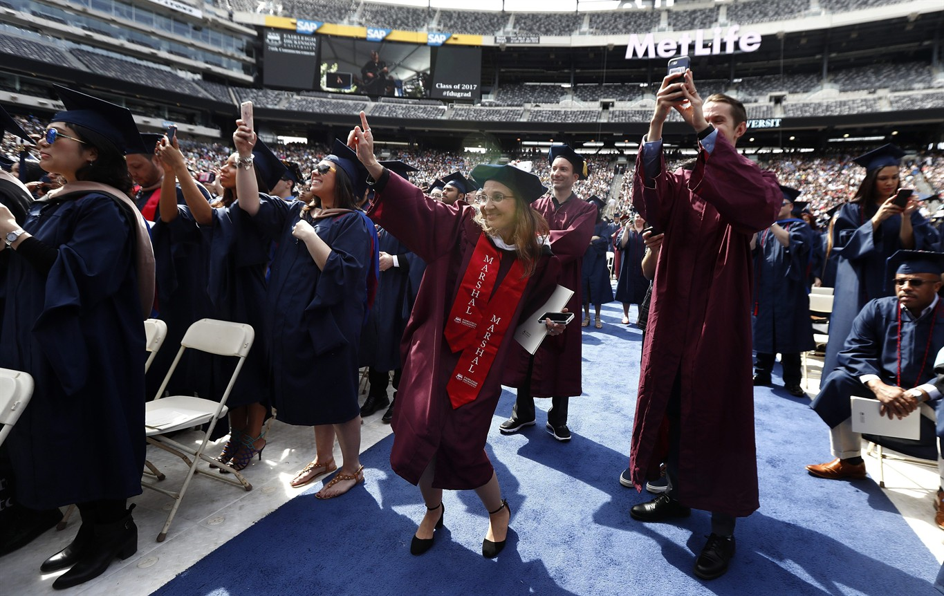 Bon Jovi surprises grads, guests with commencement show
