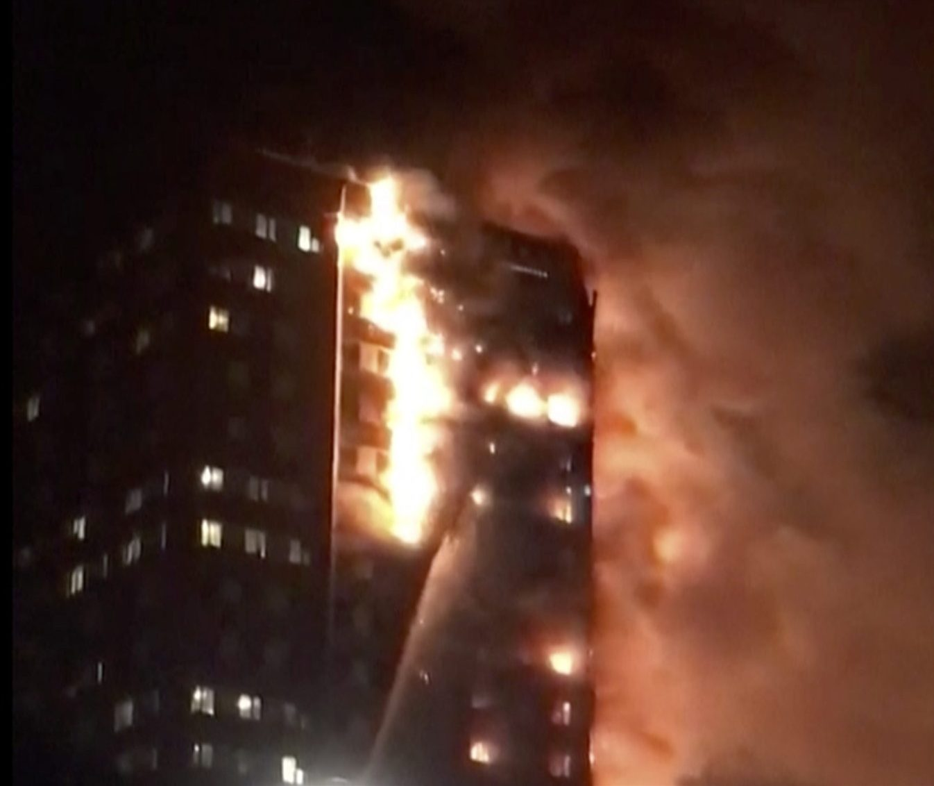 London police launch criminal investigation over fatal apartment blaze