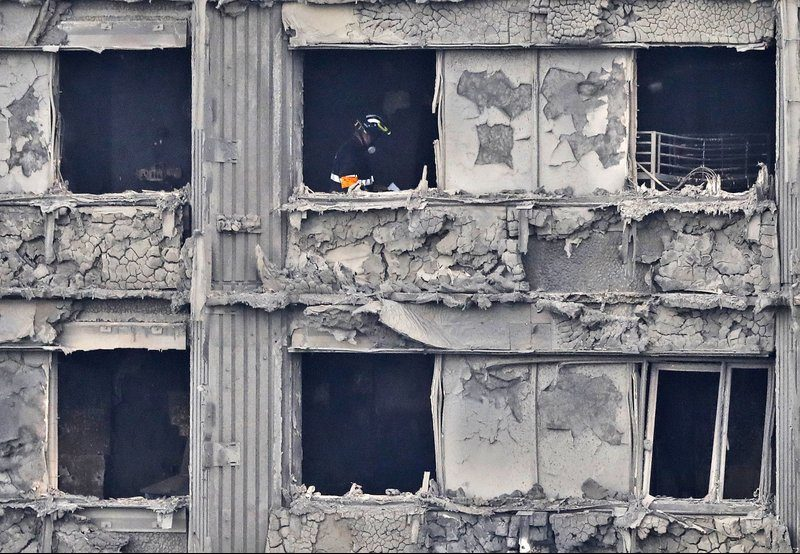 Search for Thai family after London tower block inferno