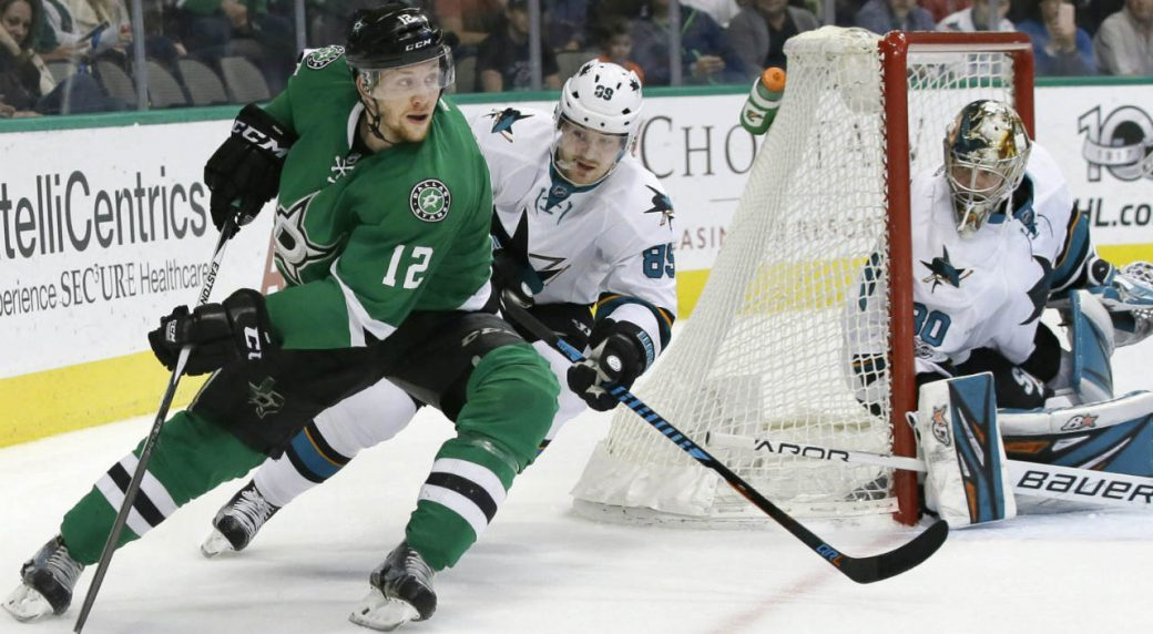 NHL: Faksa re-signs with Dallas Stars