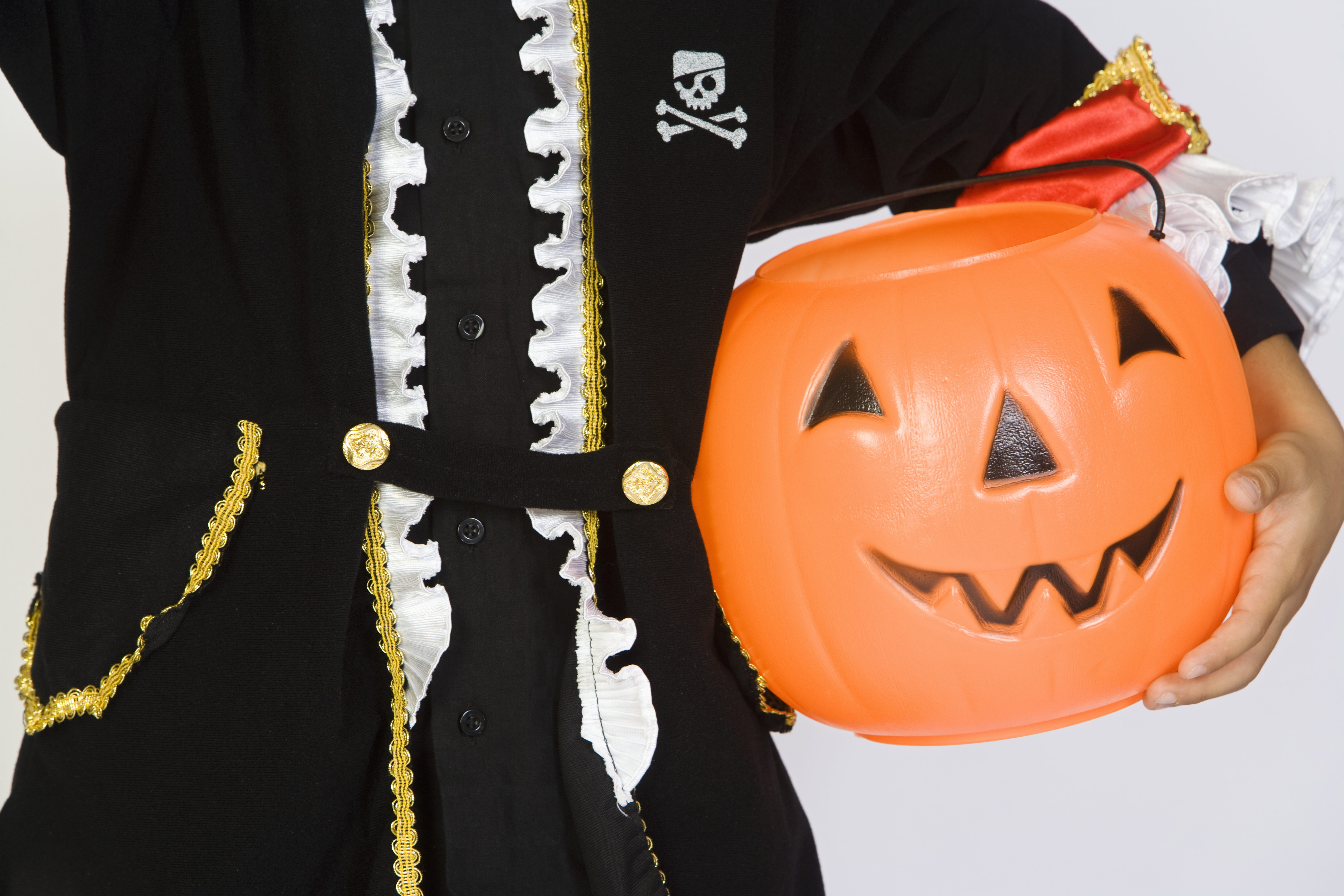 police investigating report of tampered halloween candy in cambridge