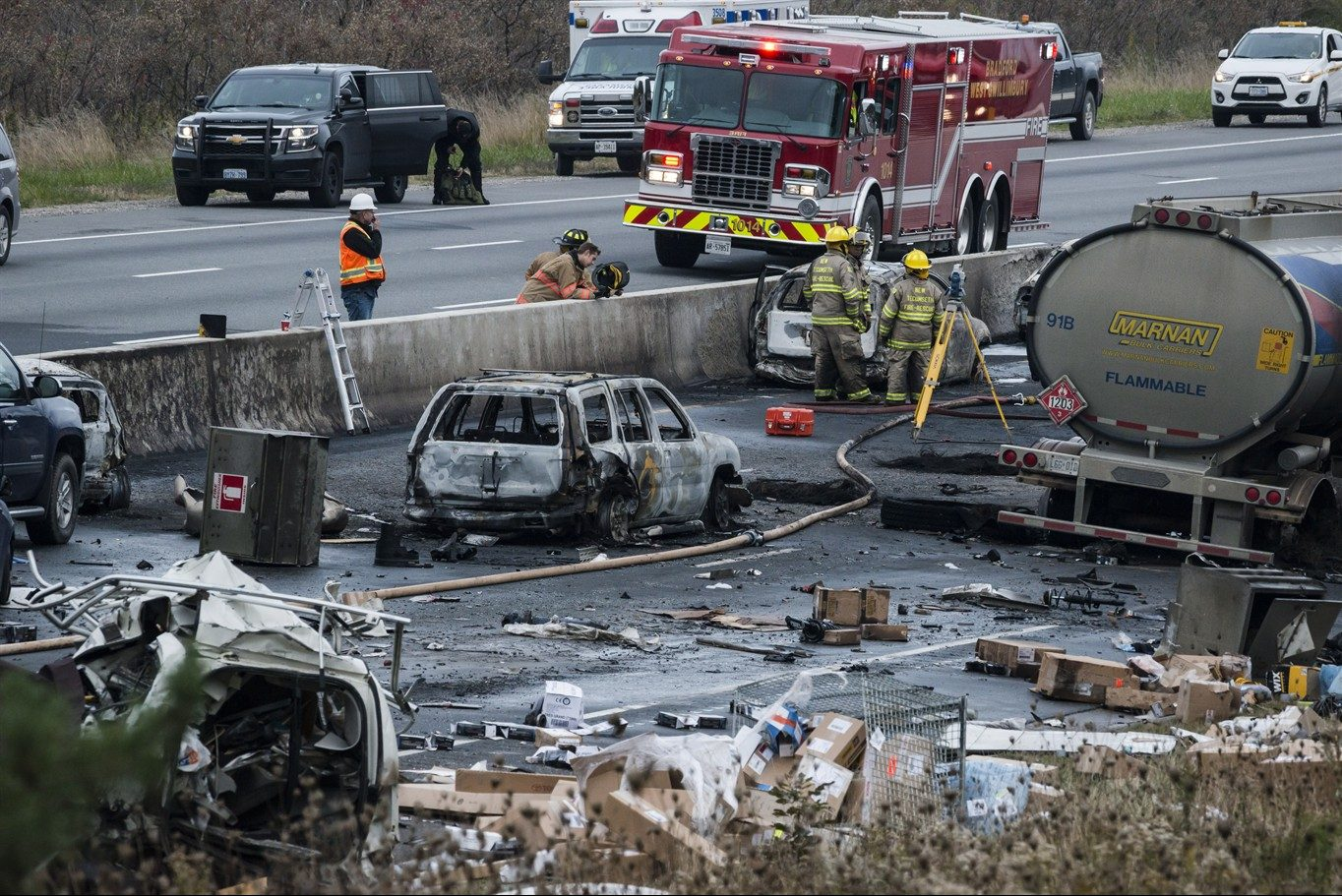 Father of 9 believed to be among 3 killed in fiery crash on Hwy  400