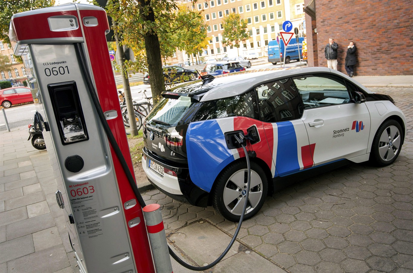 Ontario offers incentives for electric vehicle charging