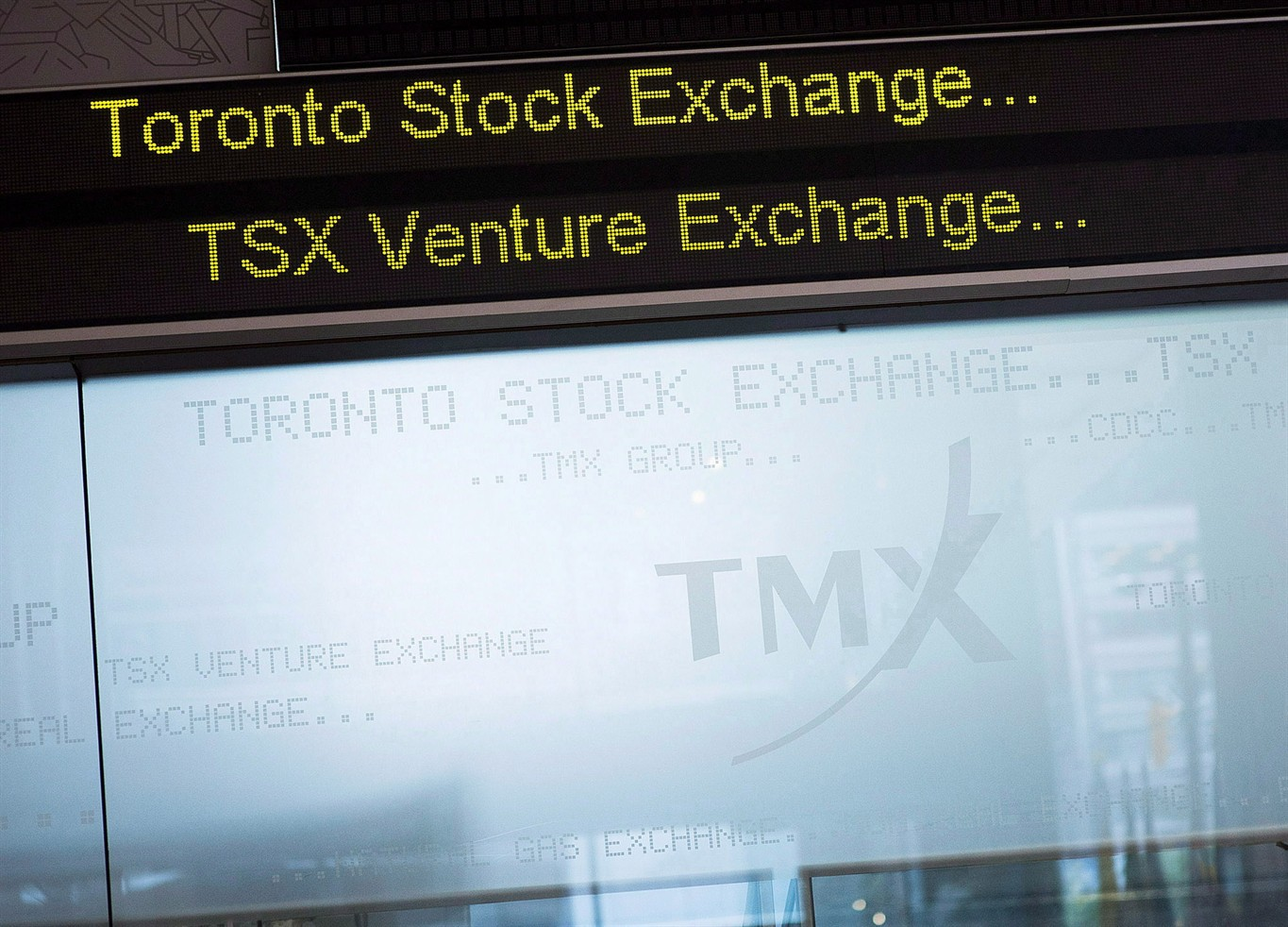 TSX rebounds from five-week low as trade war fears ebb