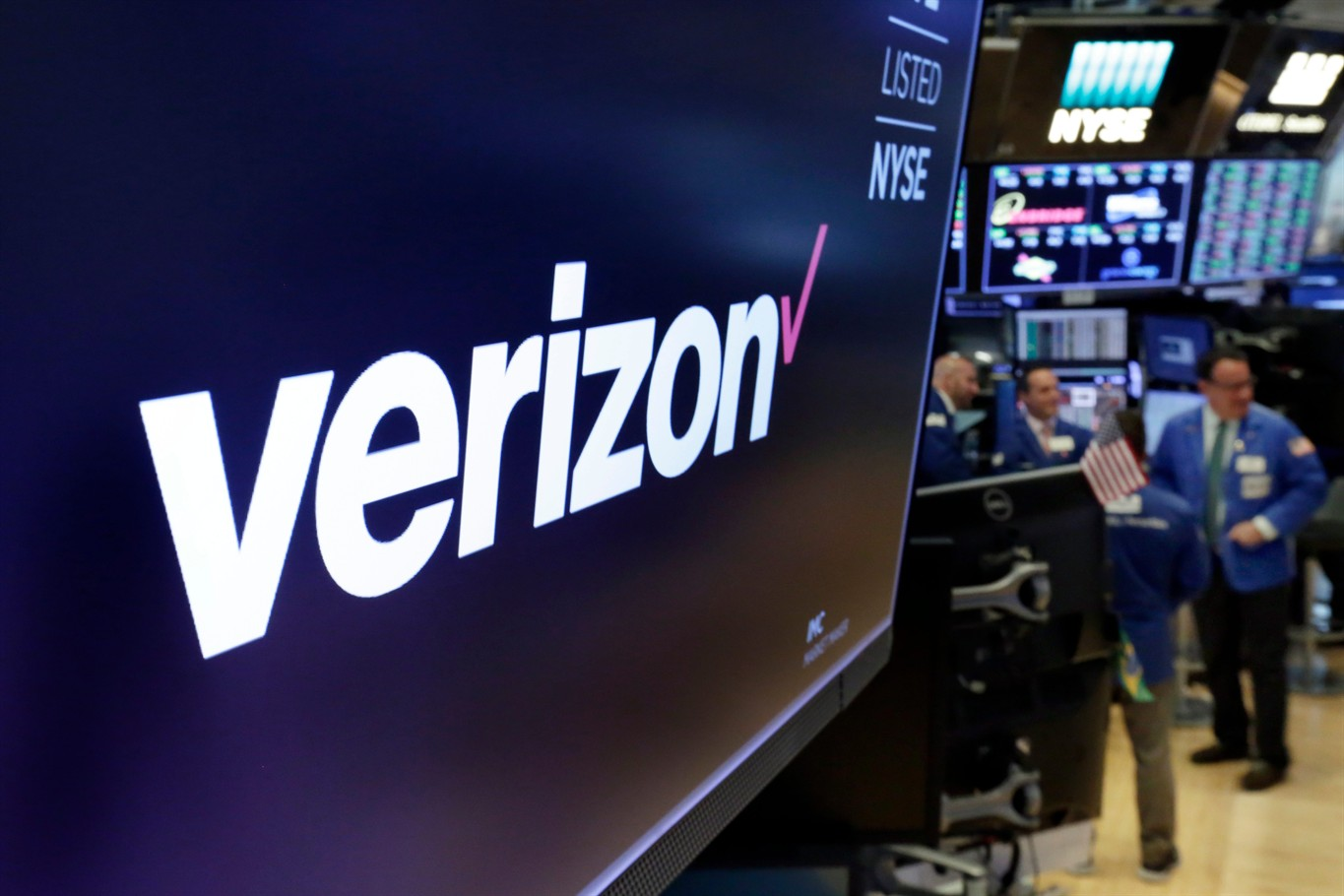 Verizon flips the switch on its 5G home internet network