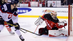 Canada's Zachary Fucale makes a save during the third period of semifinal hockey action at the IIHF World Junior Championship in Toronto. (Frank Gunn/CP)