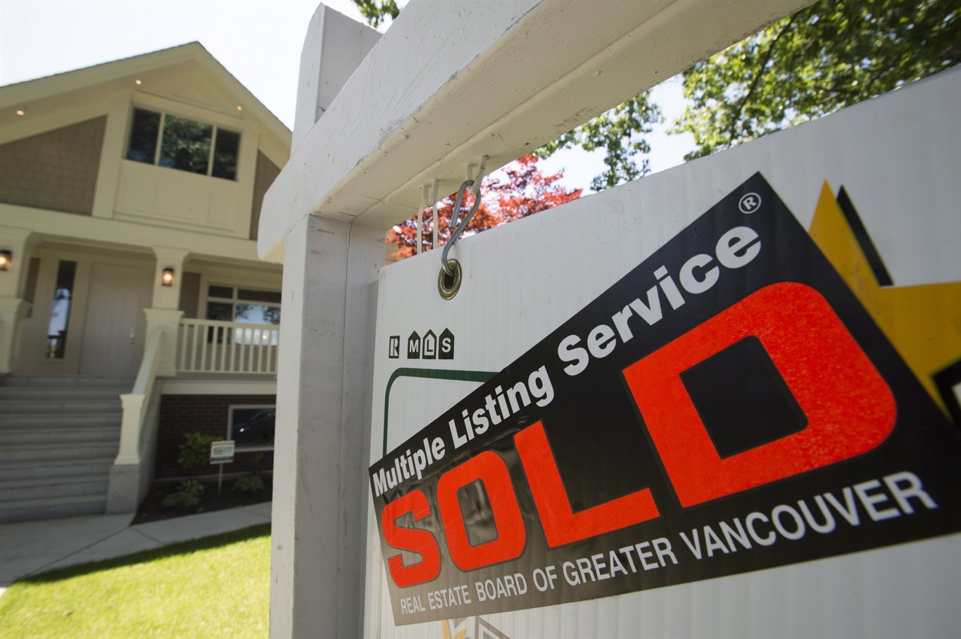 September home sales see drastic drop, prices jump: REBGV