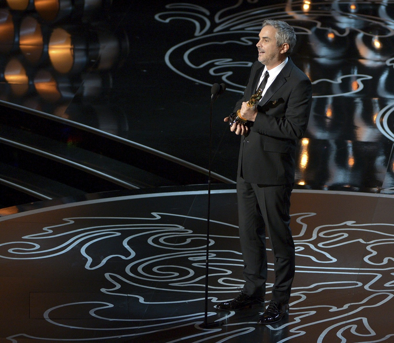 Alfonso Cuarón film crew 'attacked and robbed' in Mexico City