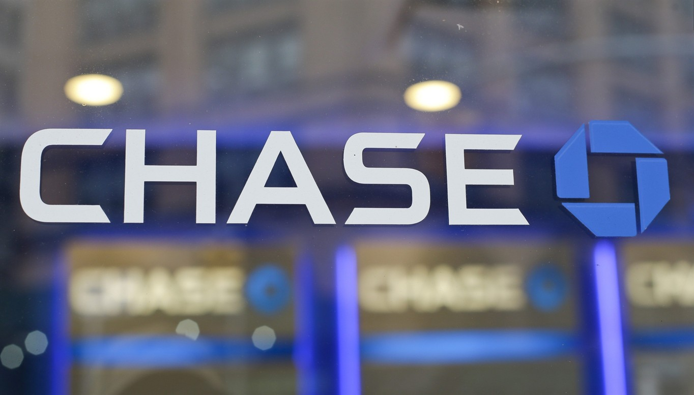 Capital Analysts Lowers stake in JPMorgan Chase & Co. (JPM)