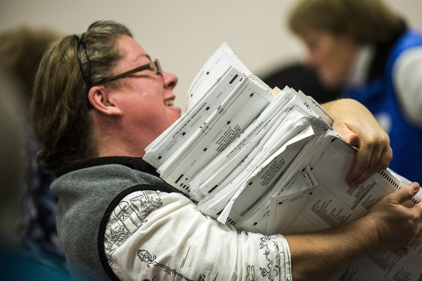 Federal judge agrees to end MI recount