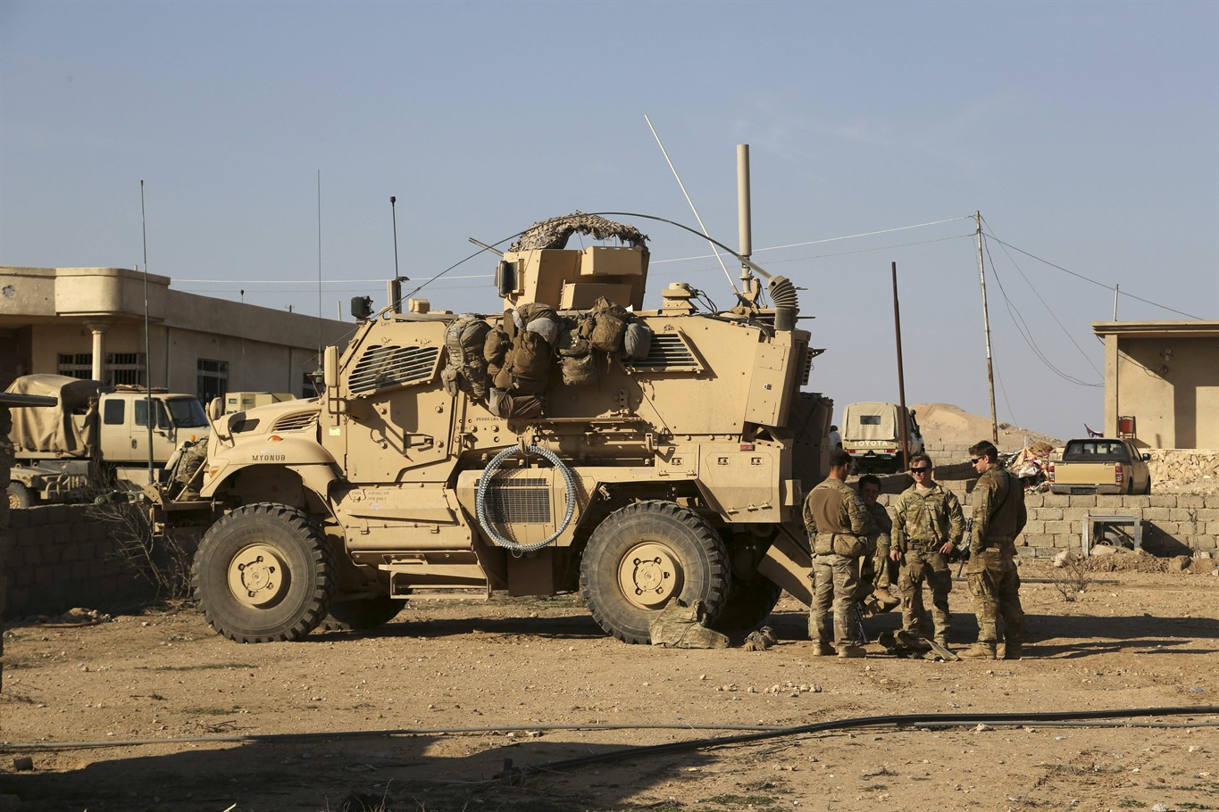 Iraqi forces retake Mosul airport from Isis