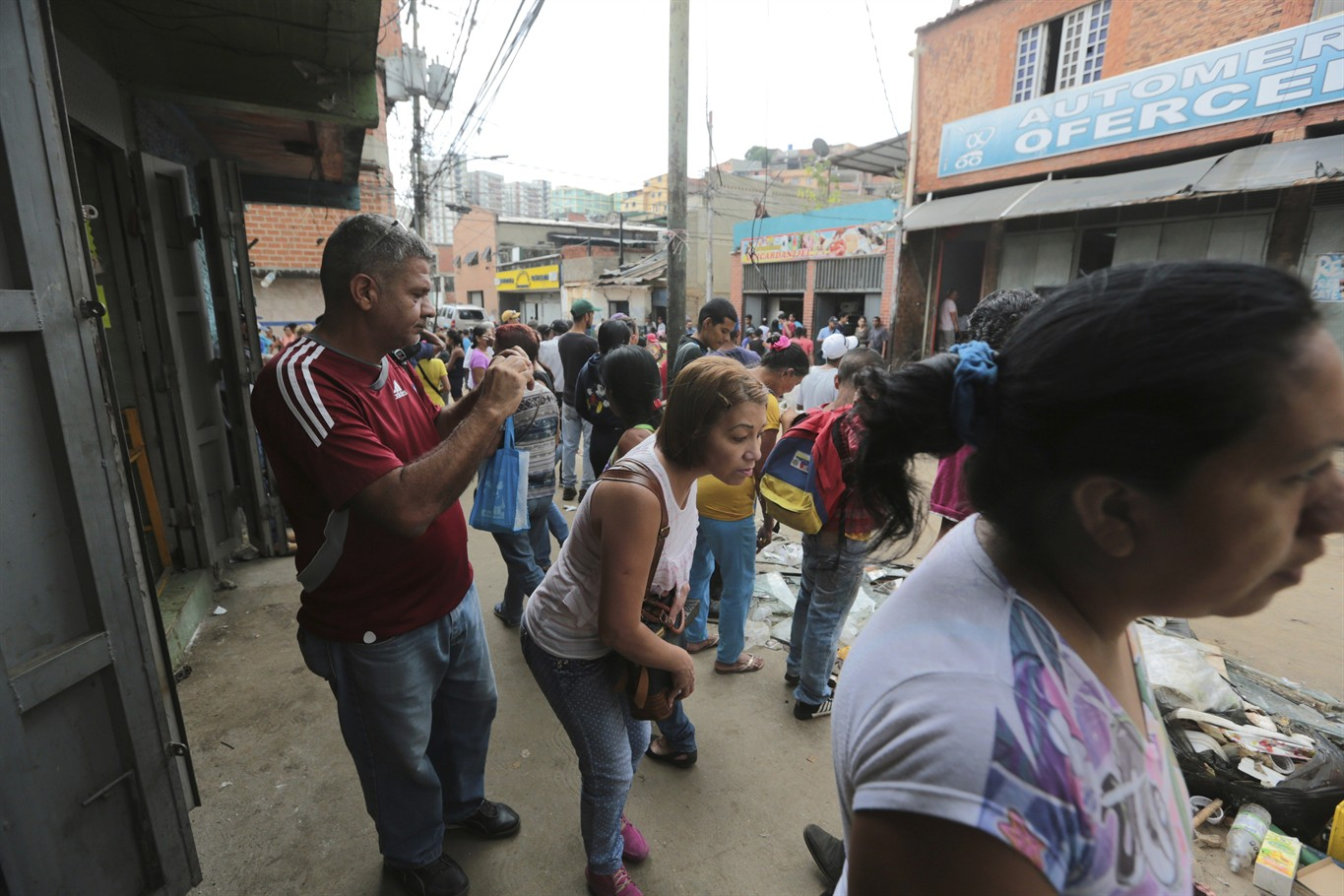 12 die as rioting breaks out in Venezuela
