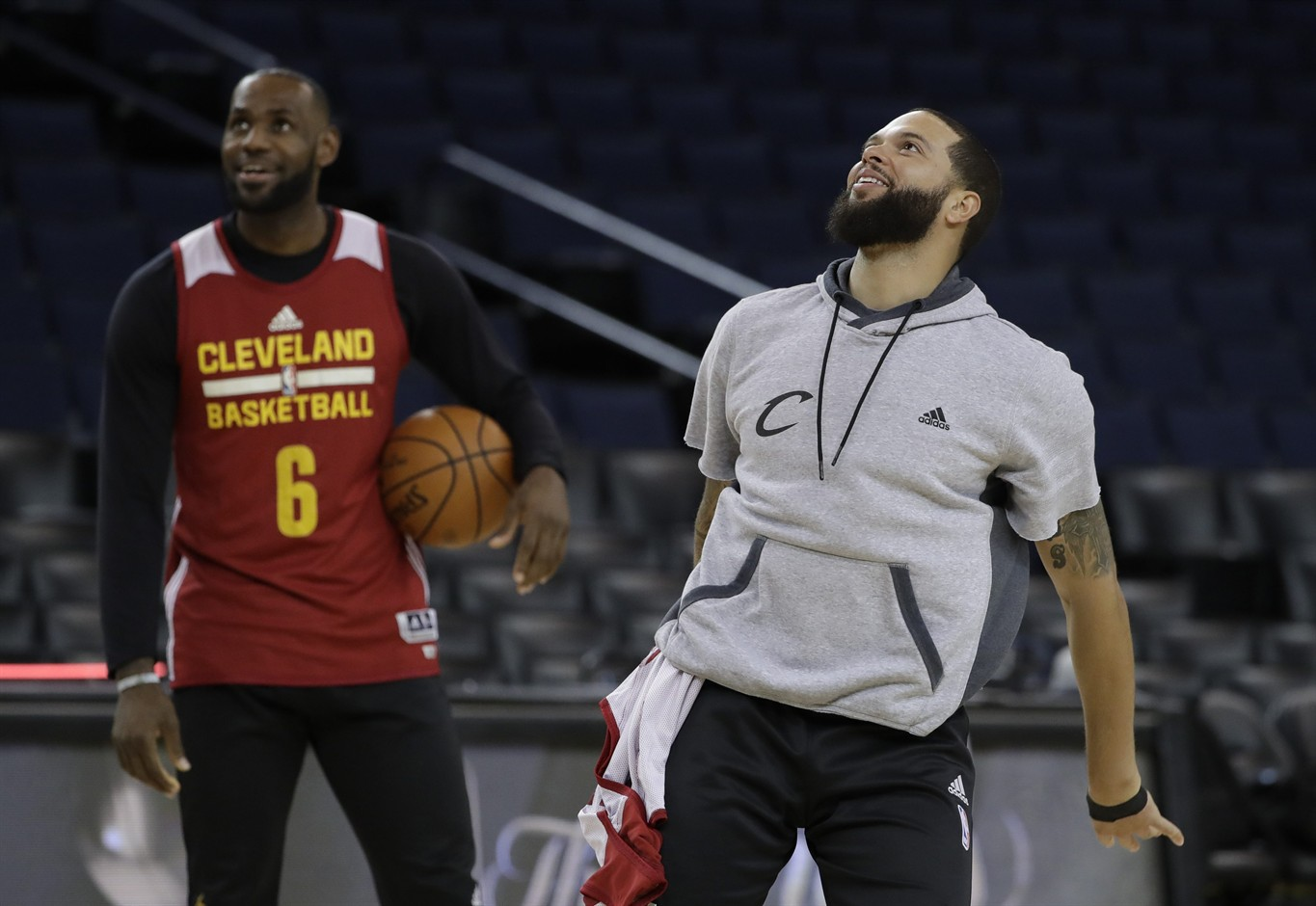 Cleveland, Golden State meet for third straight time in NBA Finals