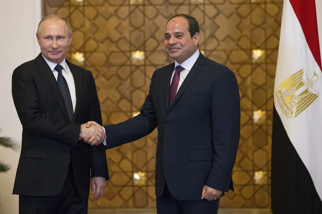 Egypt minister set to sign deal to resume Russian flights