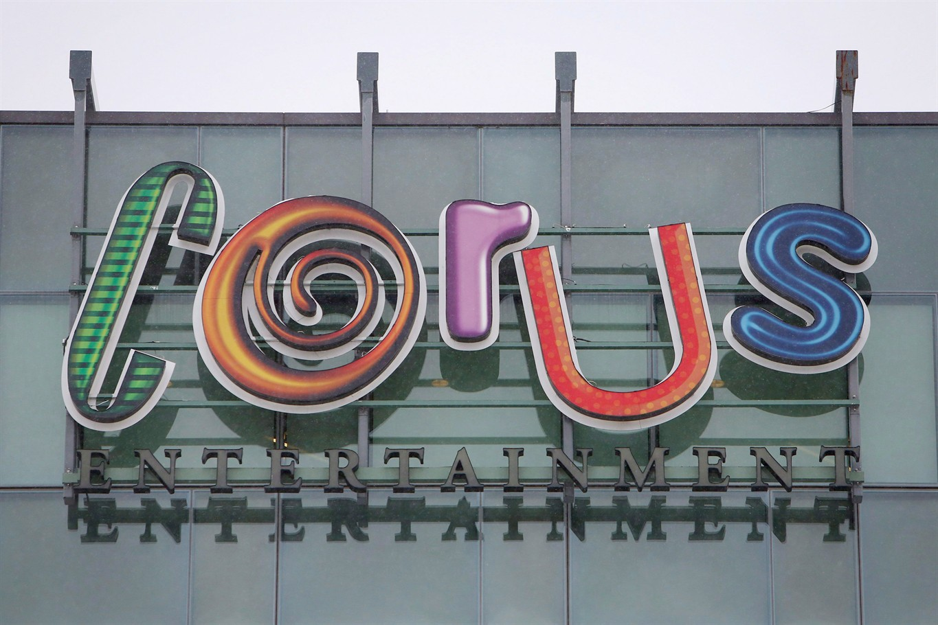 Corus Entertainment -15.7% as TV ads weigh on earnings