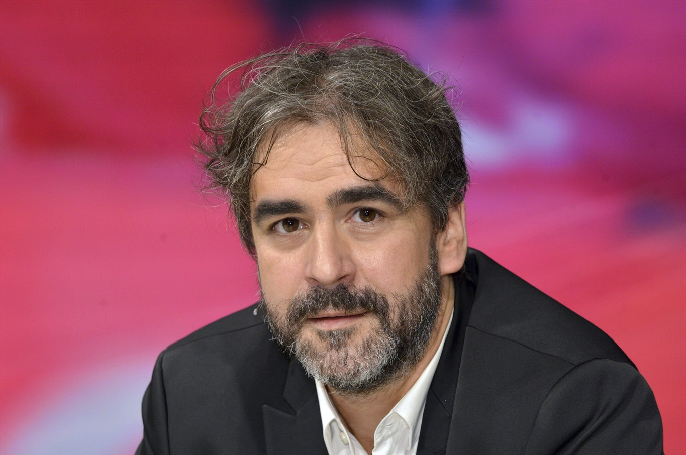 Germany expects freed journalist to be allowed to leave Turkey