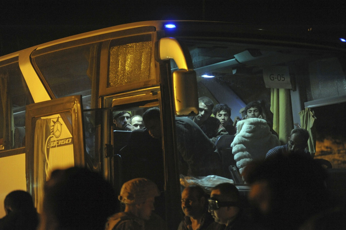 3rd convoy leaves Eastern Ghouta amid evacuation deal