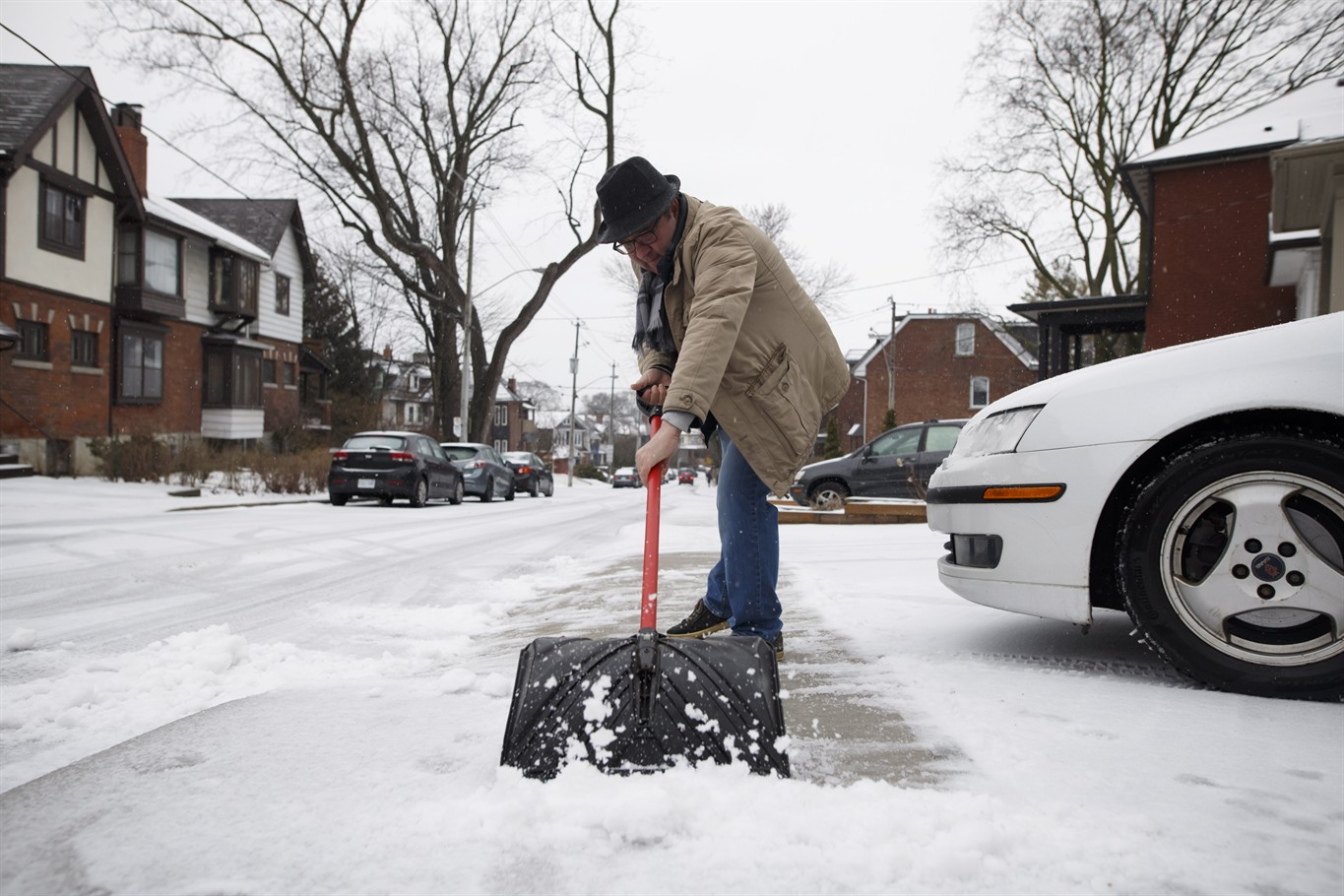 Ice pellets and freezing rain hammer southern Ontario for second day ...